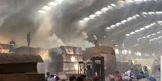 آتش سوزی کارخانه تولید درب سلماس مهار شد
