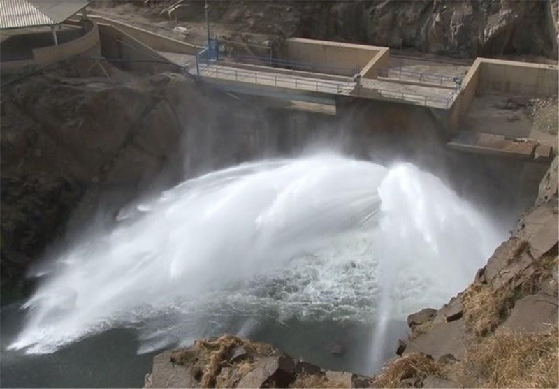 رهاسازی آب سدها به سمت دریاچه ارومیه آغاز می شود