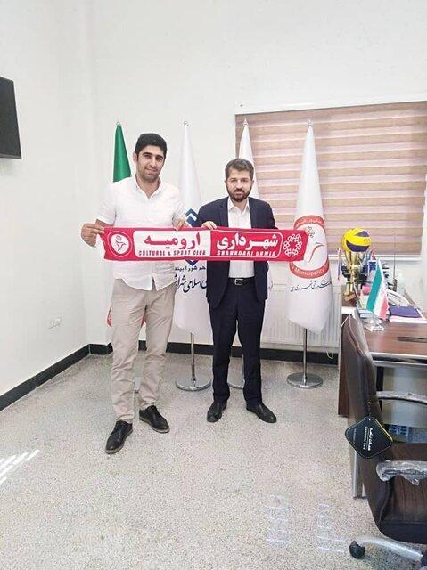 قرارداد پشت خط زن تیم والیبال شهرداری ارومیه با قرمزپوشان تمدید شد